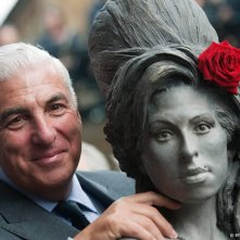 Mitch Winehouse werkt aan film over dochter Amy