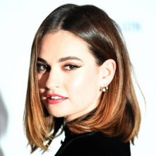 Lily James zegt interviews af na affaire met Dominic West