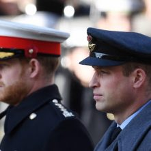 William en Harry verlaten samen de St. George's Chapel